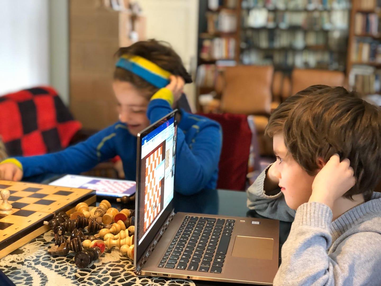 Nou! Cursuri online de șah pentru copii